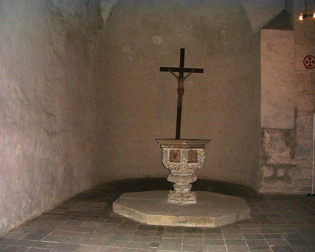 Taufbecken C. v. C. in der Marienkirche-3